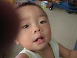 儿子的新照片2--抢相机