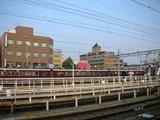 電車駅から見えた建物