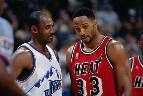 NBA老照片之悍将马龙 赛场上和莫宁都是猛男