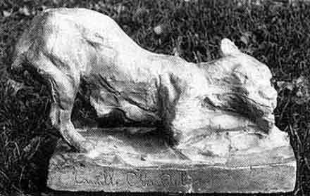 卡密尔的小动物雕塑