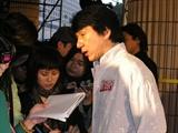 香港印象_成龙的人缘非常好,对待记者也很友善